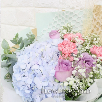 Hydrangea, Roses and Carnation Bouquet